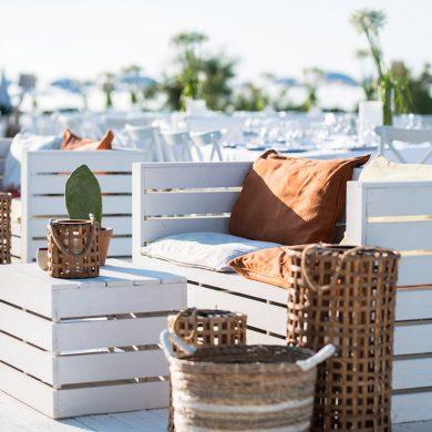 Beach-wedding-lounge