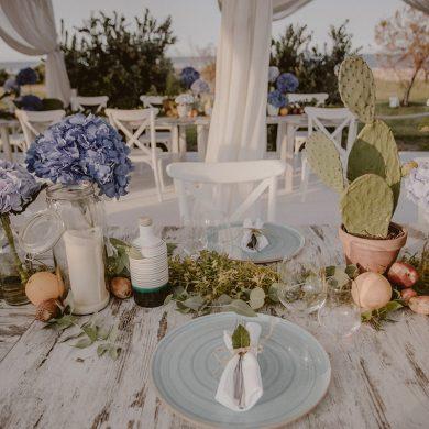 Beach-wedding-mise-en-place