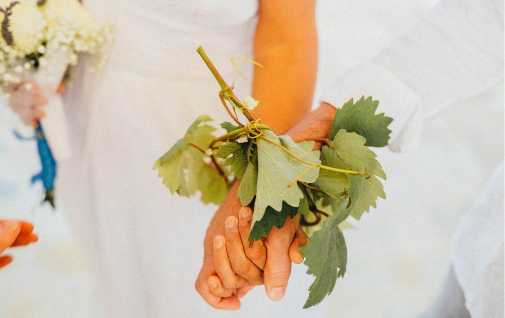 Handfasting-Ceremony-Italy